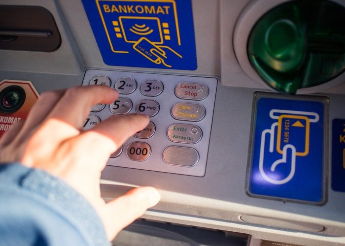 Ako si založiť bežný účet v banke?